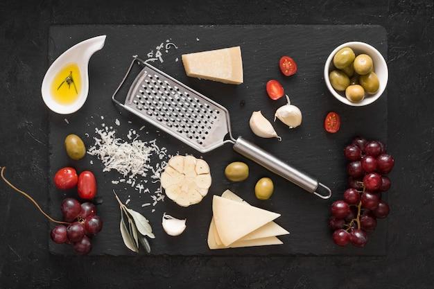 Composição de queijo vista superior