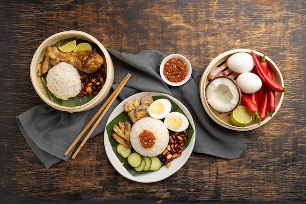 Composição de refeição tradicional nasi lemak