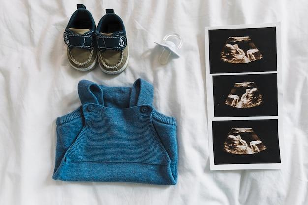 Composição de roupas para bebê