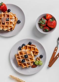 Composição de saborosos waffles de café da manhã