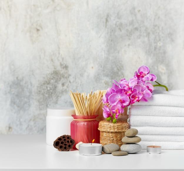 Composição de spa na mesa
