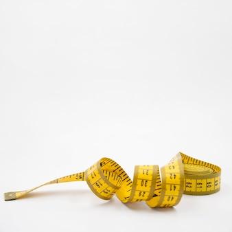 Composição de vida saudável moderna com fita métrica