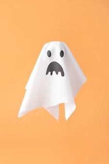 Composição de vista frontal de elementos criativos de halloween