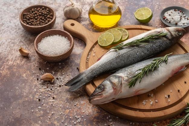 Composição deliciosa de frutos do mar de alto ângulo