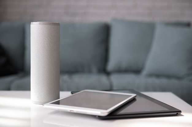 Composição do alto-falante assistente digital