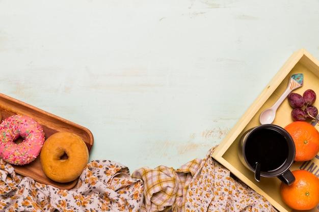 Composição do café da manhã doce