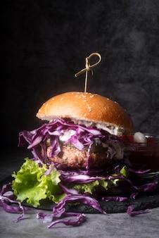 Composição do menu de hambúrguer de vista frontal