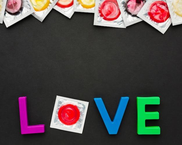 Composição do método de contracepção com letras de amor