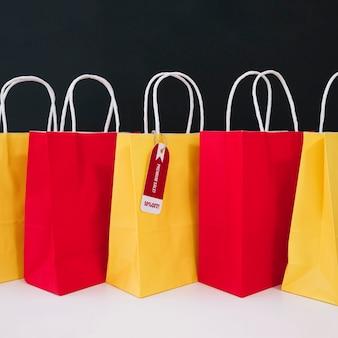 Composição do saco de compras para sexta-feira preta