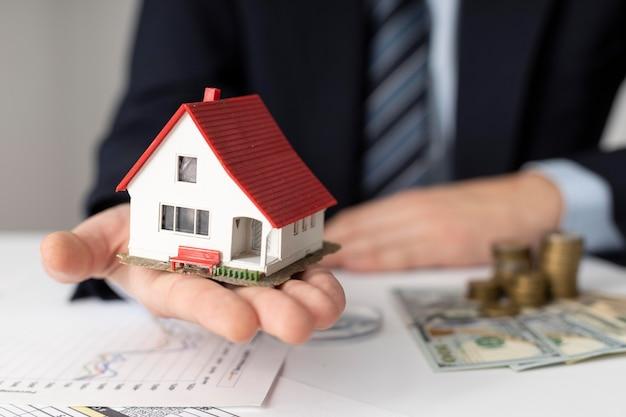 Composição dos elementos de investimentos da casa