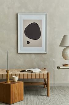 Composição elegante do interior da sala de estar com moldura de pôster simulada e modelo de acessórios
