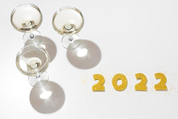 Composição festiva de ano novo de alto ângulo