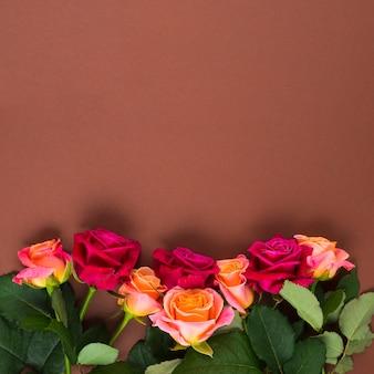 Composição floral colorida vibrante