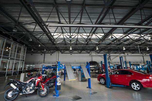 Composição mecânica moderna de automóveis