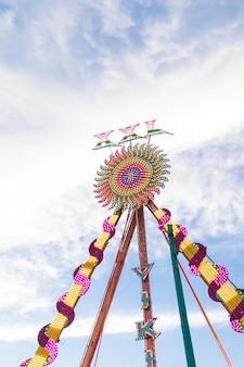 Composição moderna do parque de diversões