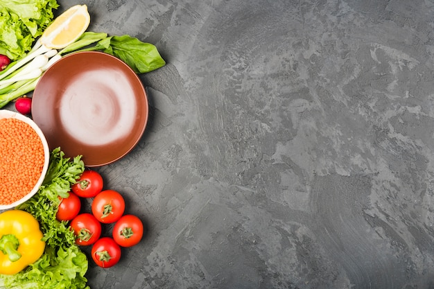 Composição plana leiga de legumes com copyspace