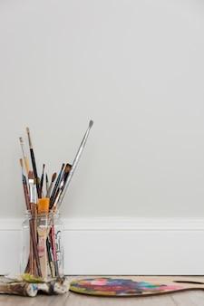 Compositio de estúdio de arte adorável