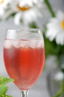 Compota caseira refrescante refrigerante de frutas de verão