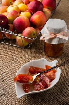 Compota de fatias de maçã caseira