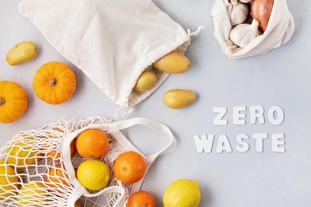 Compra e armazenamento de alimentos em sacolas ecológicas de algodão