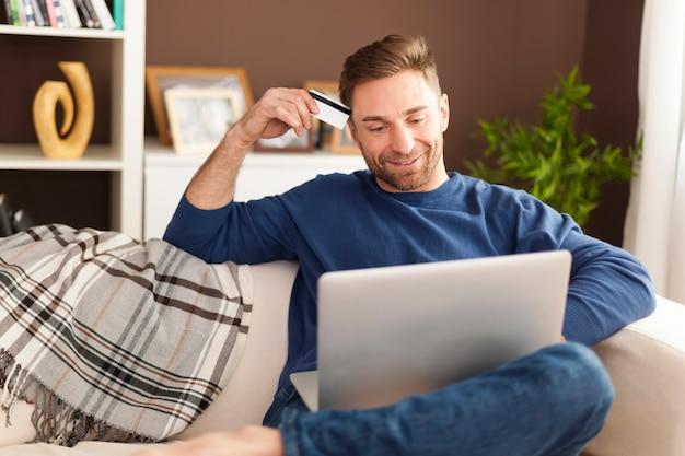 Comprar online é mais rápido e fácil
