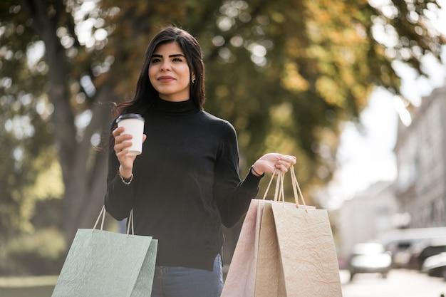 Compras da mulher oriental