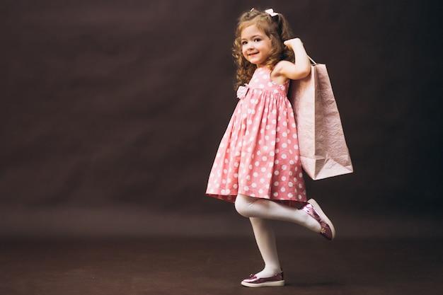 Compras de estúdio modelo menina