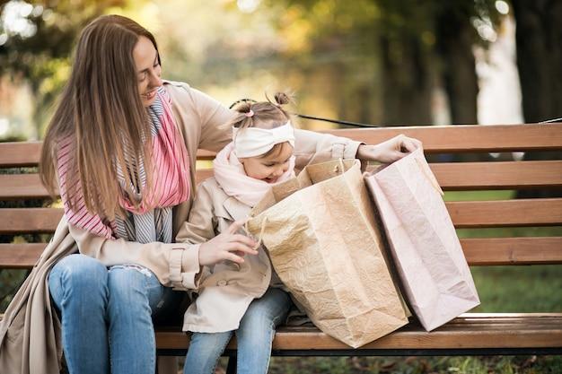 Compras de mãe e filha