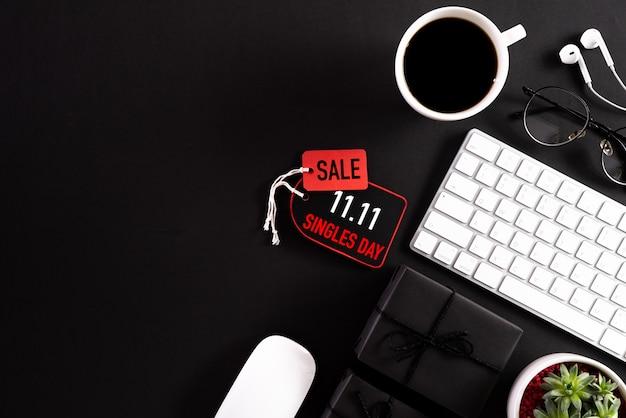 Compras on-line, 11.11 conceito de venda do dia de solteiros.