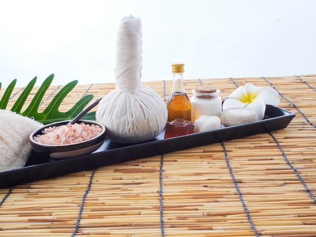 Compressa de ervas e massagem spa