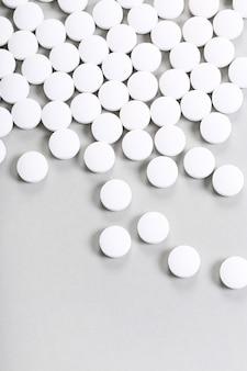 Comprimidos brancos