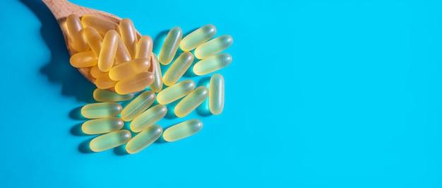 Comprimidos de óleo de peixe. cápsulas de gel ômega-3. seletivo focus.medica