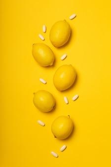 Comprimidos de vitamina c e frutas