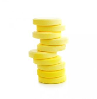 Comprimidos de vitamina c em branco