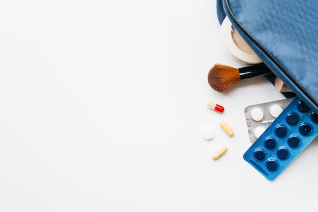 Comprimidos dentro do kit higiênico