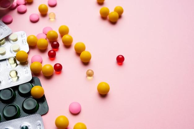 Comprimidos em embalagens de medicamentos analgésicos