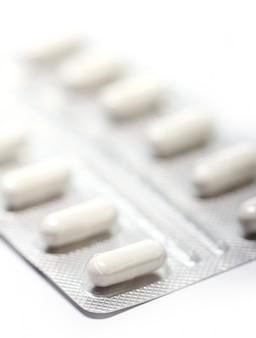 Comprimidos sobre branco