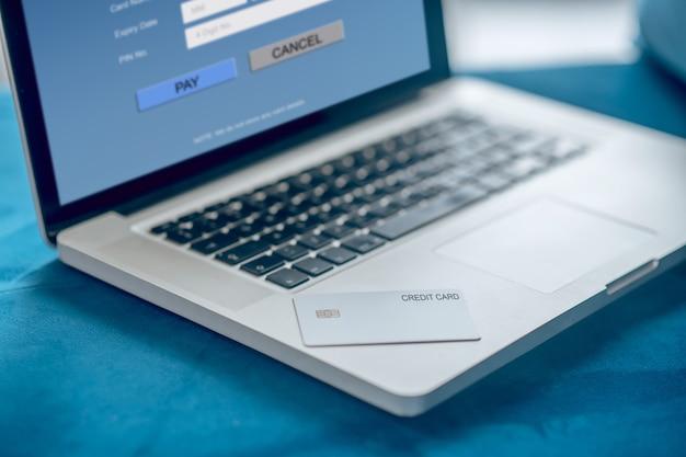 Computador portátil. feche a foto de um laptop