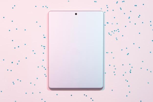 Computador tablet. tecnologia móvel e dispositivo digital