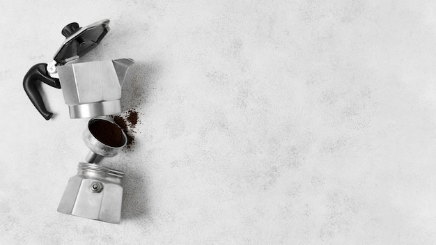 Conceito abstrato de moedor de café desmontado