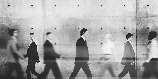 Conceito abstrato de pessoas de negócios andando de viagem para trabalho