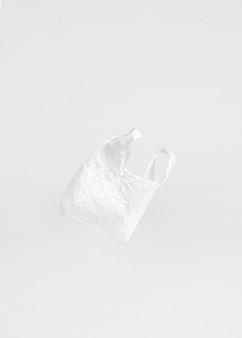 Conceito abstrato de saco de plástico com espaço de cópia