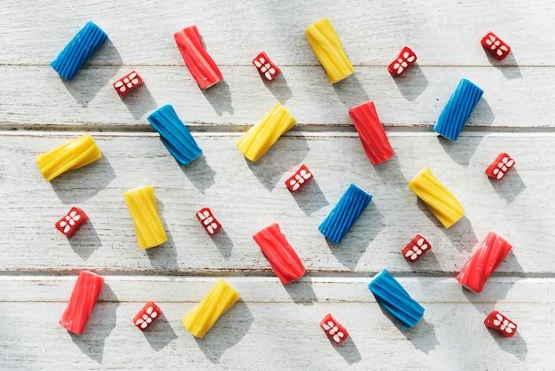 Conceito colorido do partido do miúdo da sucata de jello dos doces