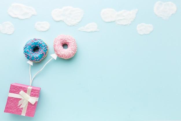 Conceito com donuts copie o espaço