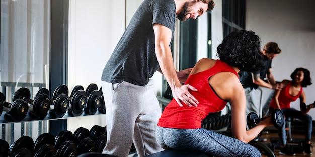 Conceito da aptidão do exercício do exercício do treinamento do peso