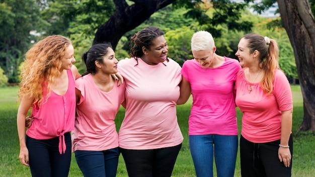 Conceito da caridade do apoio do cancro da mama das mulheres