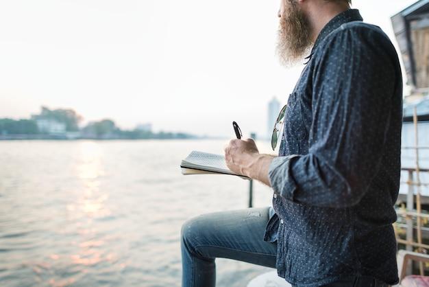 Conceito da mensagem do novelista da imaginação do jornalismo do escritor