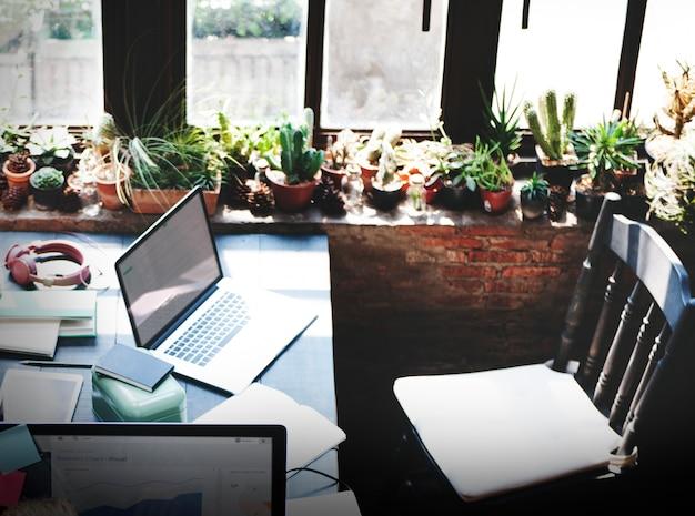 Conceito da sala do espaço de trabalho do projeto do escritório domiciliário