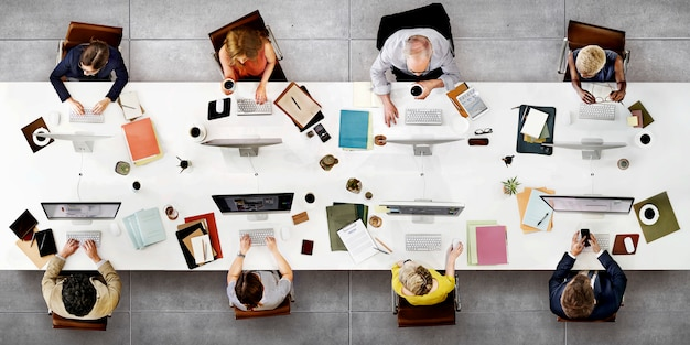 Conceito da tecnologia de digitas da conexão da reunião da equipe do negócio