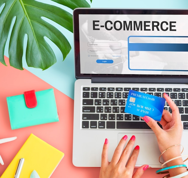 Conceito da web de tecnologia digital de internet de comércio eletrônico